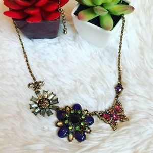 Jewelry - 🆑🦋 Gold Butterfly & Flower Necklace 🦋